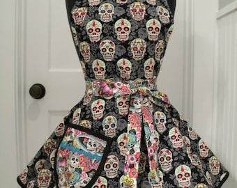 Womens Apron-Sugar Skulls-Full Sweetheart Apron