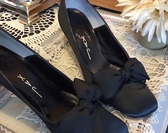 Vintage Black Shoes 1940's Satin Pumps with Bow. Jax Old Hollywood. Ladies Shoes-Shoes-Vintage Shoes, Theater Costumes