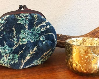 Retro Small Vintage Carpetbag clutch in Navy, Turquoise and white