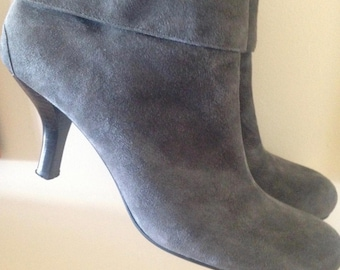 Vintage Leather Grey Ankle Boots // Suede Boots, Mod Girl boots, hipster, women's boots, 80s designer boots, size 9 M