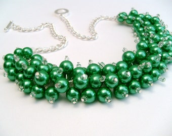 Chunky Pearl Necklace, Kelly Green Pearl Beaded Necklace, Bridesmaid Necklace, Emerald Green Necklace, Cluster Necklace, Bridesmaid Gift