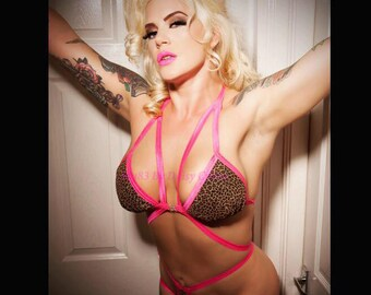 Soft cup strappy lingerie bra can be made opaque or see-thru