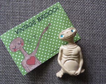 Vintage 1982 E.T promotional pin Brooch