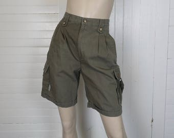 90s Cargo Shorts in Olive Drab- 1990s Vintage Preppy Grunge- Snails Khaki Green- Size 29- High Waist- Men or Women- Cotton Safari Utility