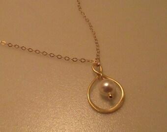 Pearl Infinity Necklace, Pearl Necklace, Infinity Necklace, Pearl Pendant, Eternity, Pearl Drop, Pearl, Gold, Swarovski, Bride, Bridesmaid