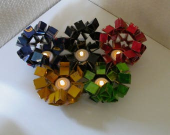 """""""olympic flowers"""" candle in recycled cans"""