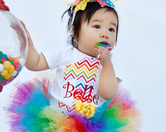 First Birthday bodysuit  -- Rainbow Sweetheart -- personalized bodysuit with rainbow chevron, name, and bow accent