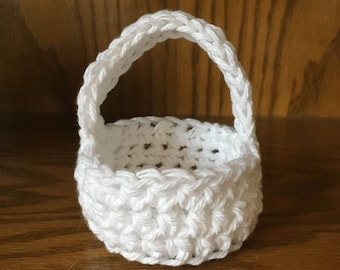 Miniature crocheted basket, white