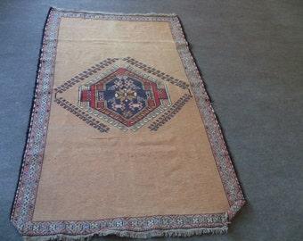 kilim rug free shipping VINTAGE TURKİSH  kilim Anatolian handwoven kilim rug decorative kilim - SİZE : 45'' X 76'' ( 113 cm X 190 cm)