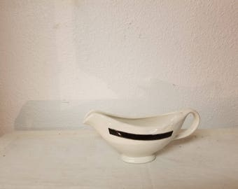 Vintage large gravy boat, vintage kitchen, Vintage dining, holiday dinner, family dinner,