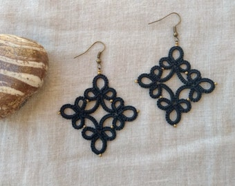 Black lace tatted earrings , tatting lace , frivolite earrings , lace jewelry , tatted jewelry , handmade earrings