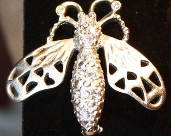 Rhinestone Bug Brooch, Wasp, Bee , Clear Sparkling Silver tone, Vintage  jewelry