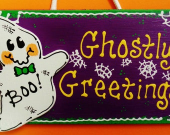 Halloween GHOSTLY GREETINGS SIGN Holiday Ghost Plaque Decor Wall Hanger Wood Wooden