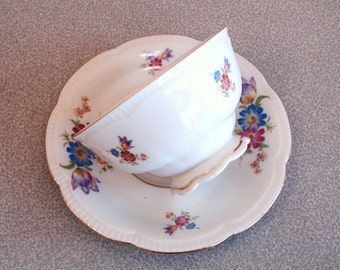 Vintage HUTSCHENREUTHER ARZBERG Porcelain Footed Cup And Saucer BAVARIA.