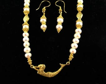 Under The Sea: Freshwater Pearl Necklace With Gold Vermeil Mermaid