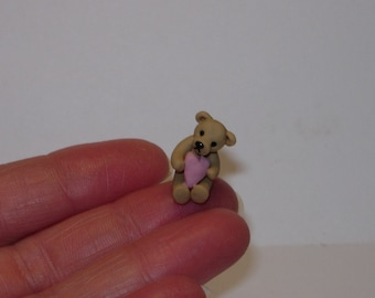 1/24th scale dolls house miniature teddy bear with pink love heart