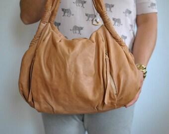 Vintage LEATHER HANDBAG , women's leather bag.............(462)