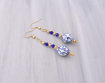 Delft blue earrings with Swarovski, Golden ceramic earrings, Delft jewelry, Dutch earrings, Dangle earrings with filigree beads