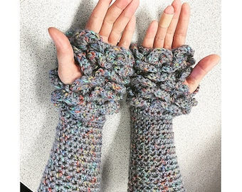 Fingerless crocodile stitch gloves in colorful gray