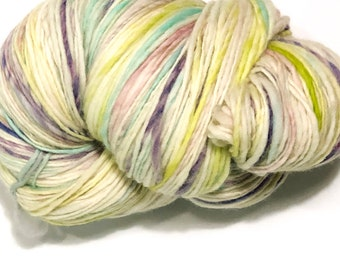 Single ply heavy worsted weight yarn | 1/2lb. 498yards | Soft | Warm | Handdyed | Handspun | Cheviot wool