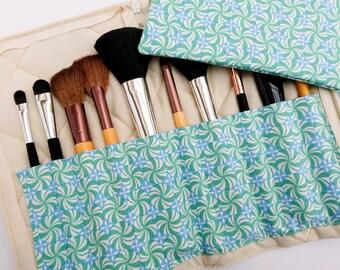 Makeup brush holder and bag, green brush holder, green zipper pouch, peppermint holder, gift for friend, green gift