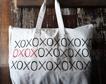 Zip Tote Bag XOXO