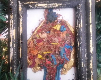 ART FLORAL created with dried flowers encased in a Vintage Frame