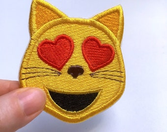 Smiling Cat Face With Heart-eyes Emoji Patch