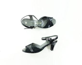 SALE 1970s Vintage Sandal, 70s Black Sandal, 70s Slingback Heels, Patent Leather, Suede Leather Heels, White Carpet Shoes, Size 8