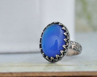 STERLING MOOD RING hand made floral band oxidized sterling silver ring with color changing mood stone cab