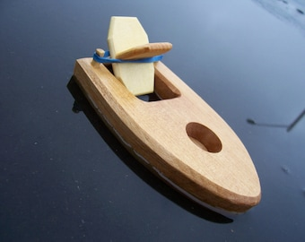 Toy Bathtub Boat with Rubber Band Powered Paddle