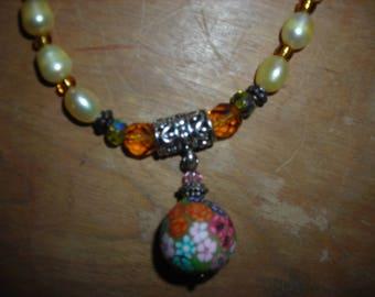 Golden flower drop necklace