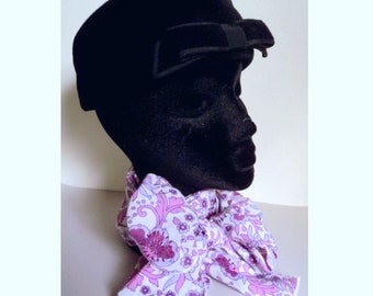 Vintage 1960's Hat . Black Velour Jackie O Pillbox Hat with Bow . Simpsons Label . Classic Semi Formal Hat