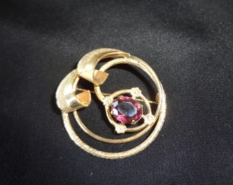 50's Infinity Brooch Pin Gold Tone Vintage With Purple Setting