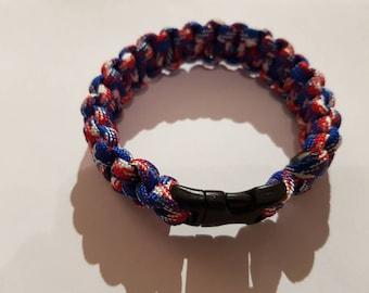 Paracord wrist bracelet
