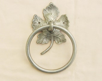 Wrought Iron Towel Ring Ivy Pattern