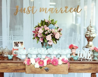 Just married banner, wedding reception banner, sweetheart table banner, bride and groom banner, newlyweds banner, wedding decor banner