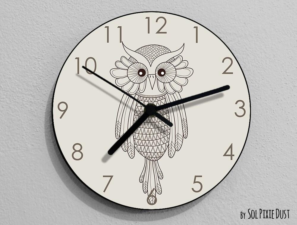 Horloge Chambre Ado : Chouette à la main dessin horloge enfants chambre