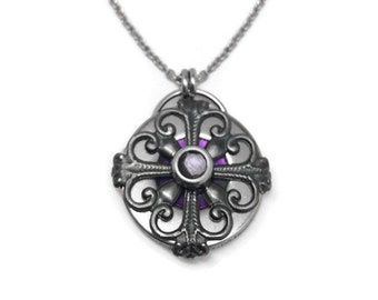 Stainless Steel Filigree Pendant, Medieval Jewelry, Customizable Necklace, Reversible