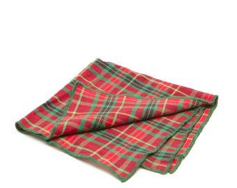 Christmas Red & Green Plaid Reusable Fabric Gift Wrap (Furoshiki)
