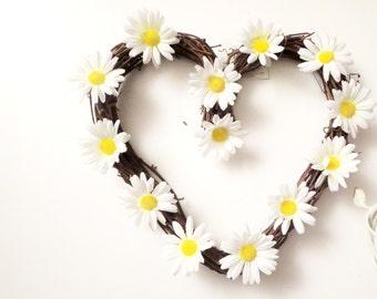 sale Daisy flowers  wreath , Heart wtreth ,Daisies  decoration,White Daisy Wreath, summer Wreath, Front Door Wreath