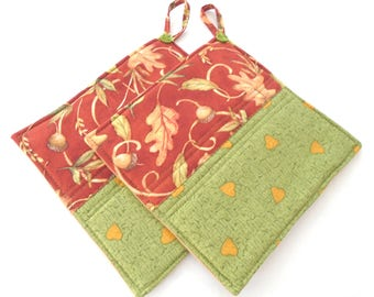 SALE Potholders set of 2 made with Insulbright colorblock golden hearts on green & acorns fall leaves on autumn red