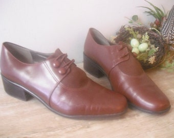 80s does 50s Style NICOLE chunky Heel button oxfords ... brown leather Size 7 1/2