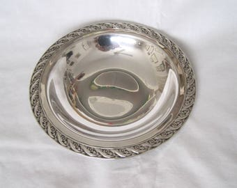 "Darling Silverplate Round Dish in ""Spring Flower"" by William Rogers and Son"