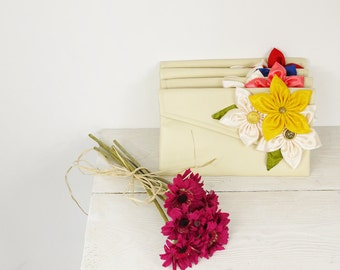 Wedding clutches Customize your Bridesmaids Clutches to match your Wedding Colors