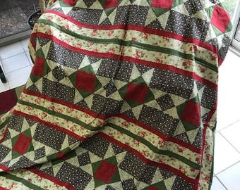 Beautiful Christmas-style Quilt Top, machine pieced, in Great Condition