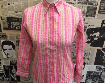 Cute Vintage Original 1960s Blouse Dagger Collar Pink Flower Daisy Pattern Button Down Mod Approx Size 10 FREE UK & Cheap Worldwide Post