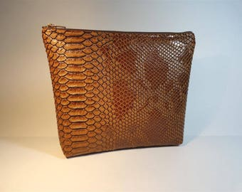 Kit faux reptile leather pouch