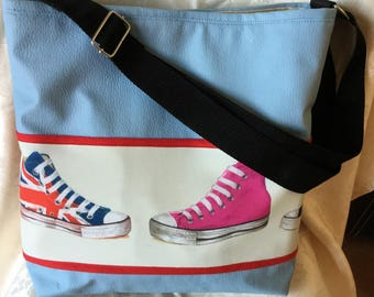 "Fancy blue shoulder bag: ""Converse sneakers USA and UK"""