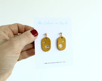 leather earrings / mustard constellation